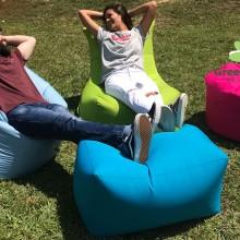 פוף סולו וקובי על הדשא בשילת